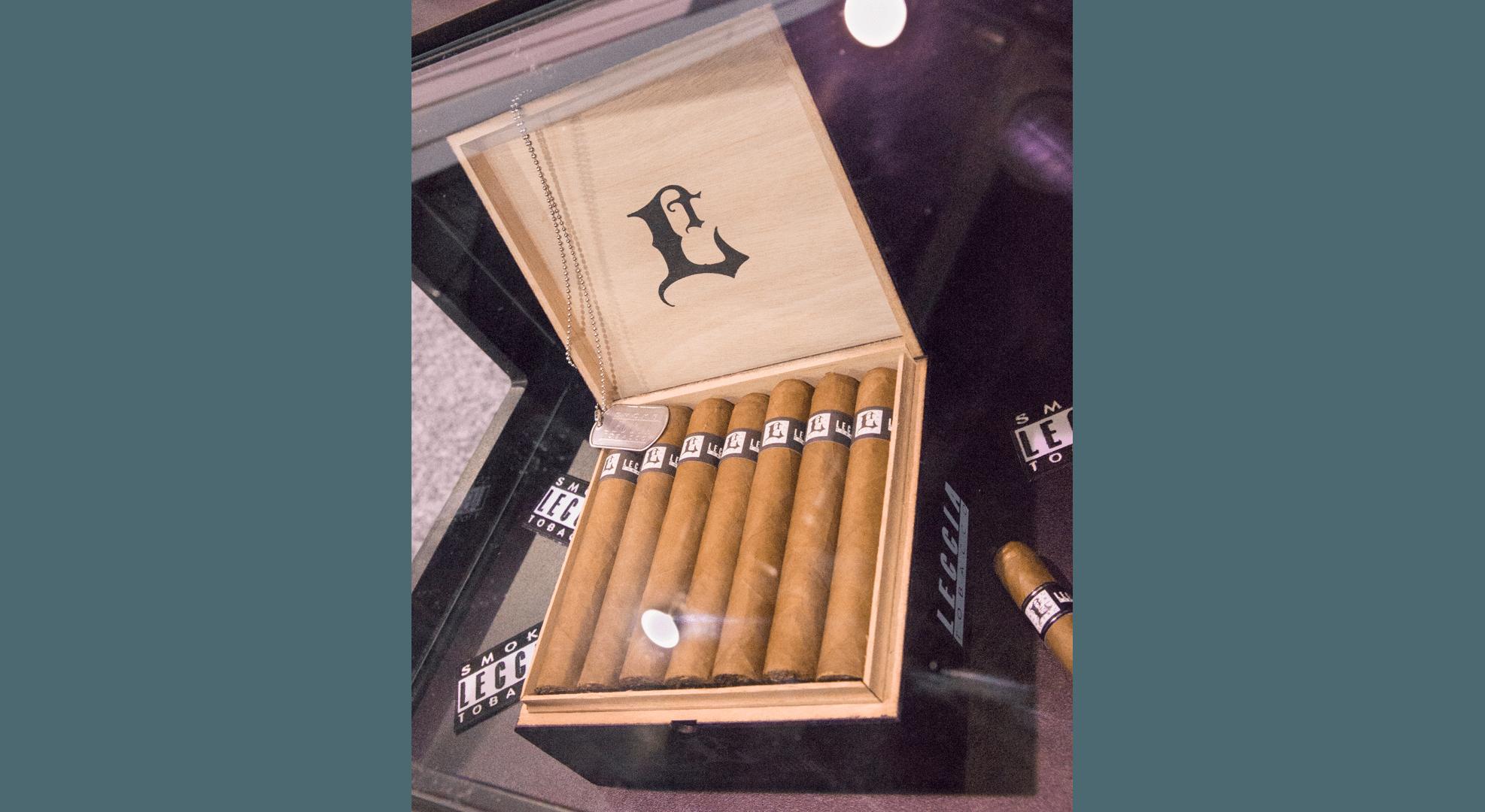 Blind Cigar Review: Leccia | Black 552 Robusto