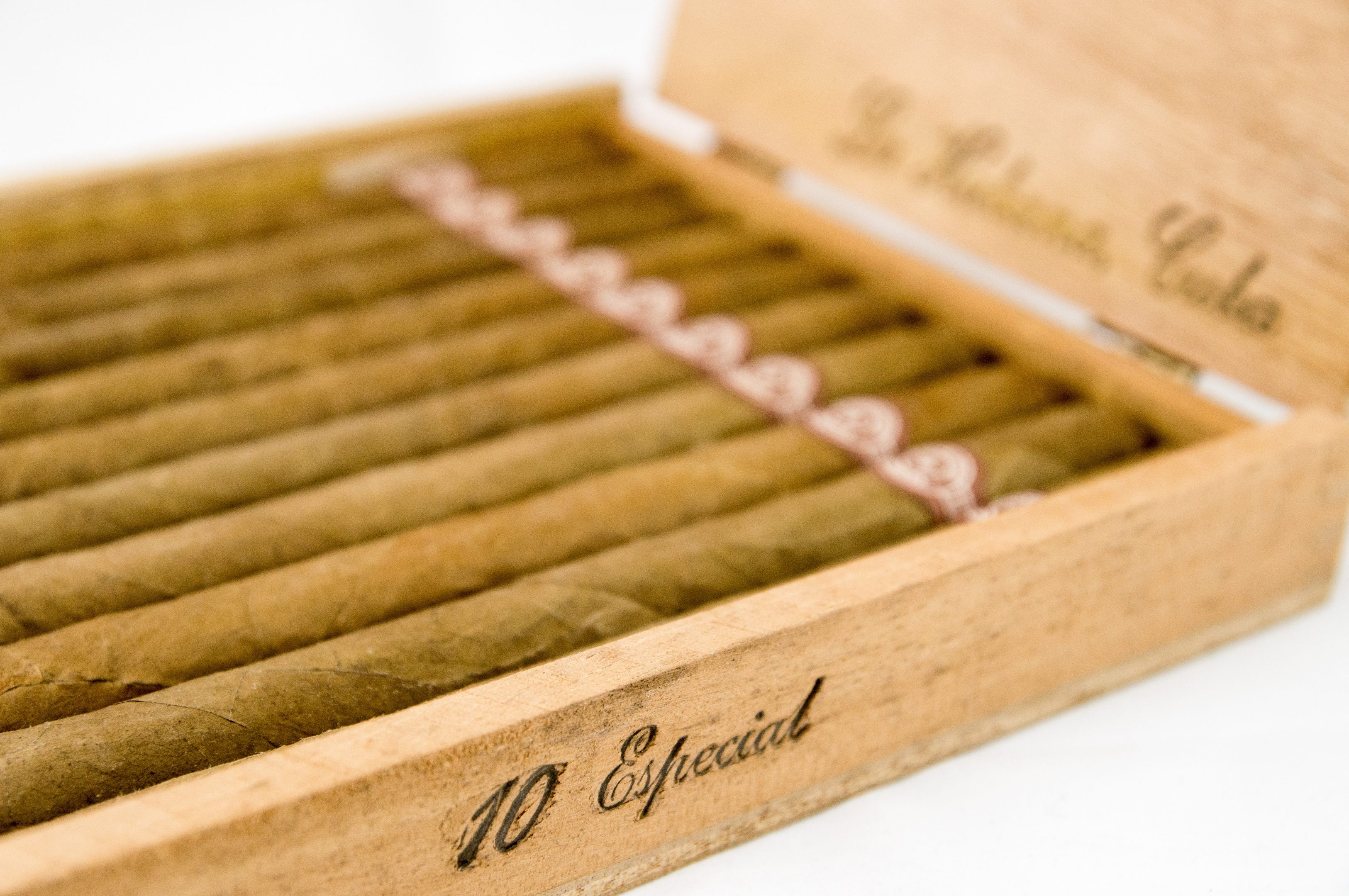 Quick Cigar Review: Montecristo (Cuba) Especial No. 1 (1984)