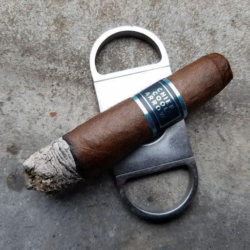 Quick Cigar Reviews: Room 101   Chief Cool Arrow Filerokee