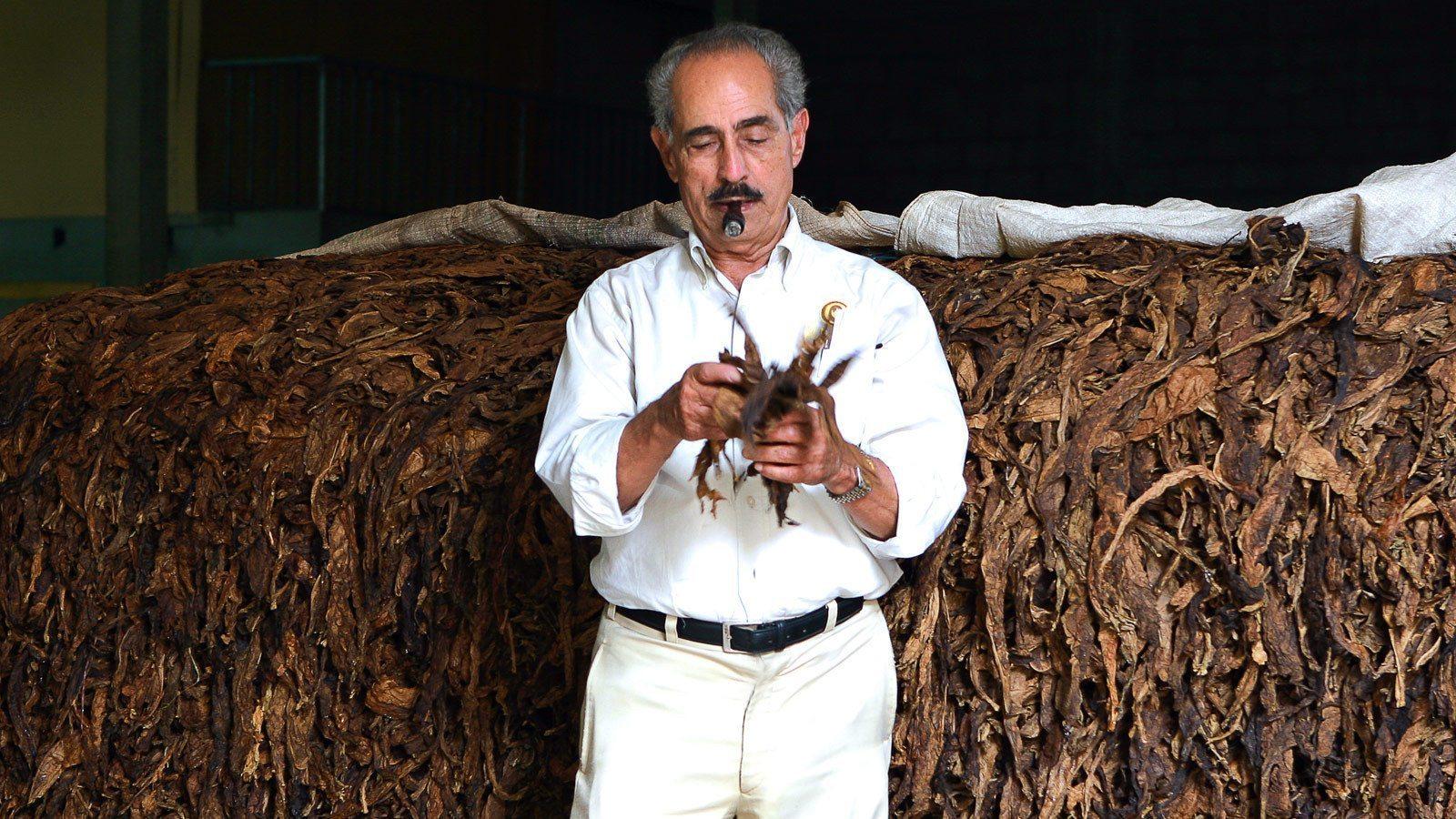 Cigar News: Gilberto F. Oliva - Dead at 86