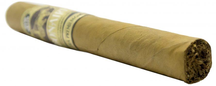 Blind Cigar Review: Debonaire | Daybreak Corona
