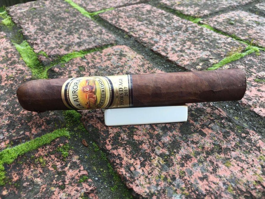 Quick Cigar Review: La Aurora   Hors d'Age Toro