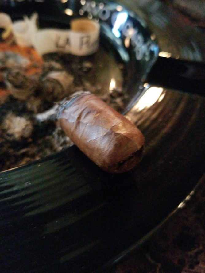 Quick Cigar Review: Winston Churchill | The Traveller LE 2019