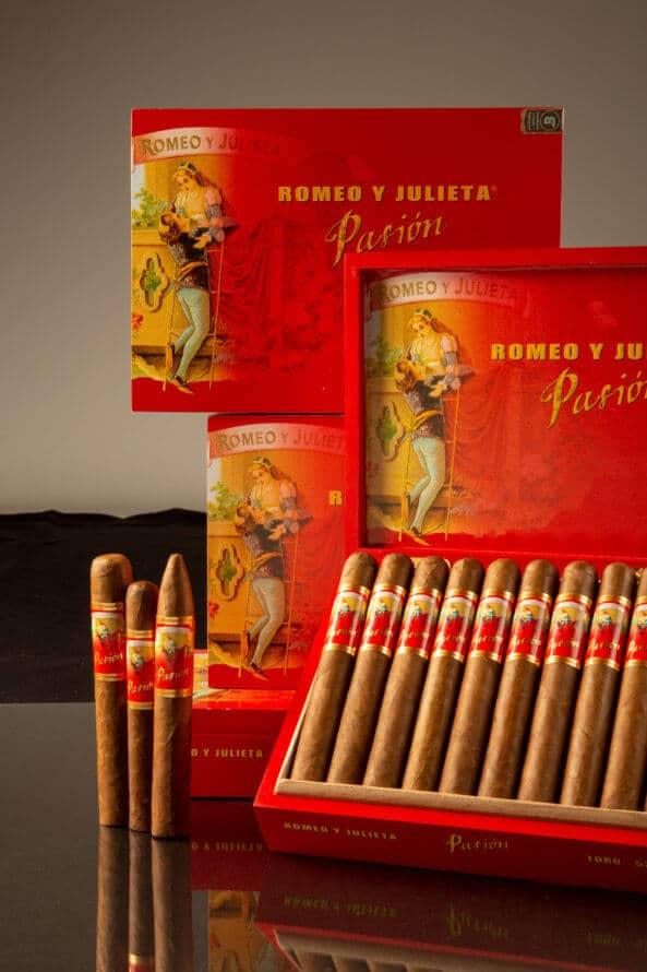 Cigar News: JR Cigar Unveils Exclusive Romeo y Julieta Pasión