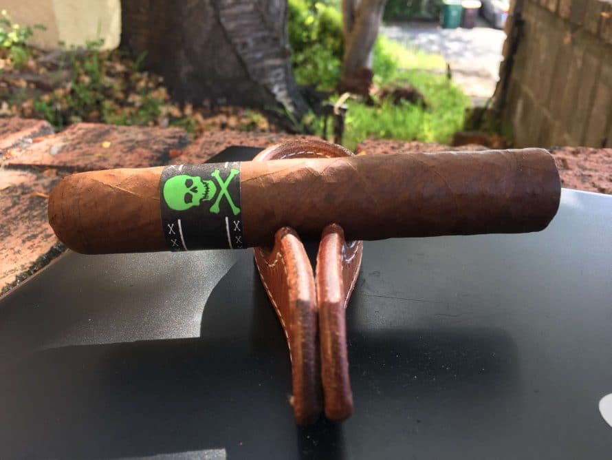 Quick Cigar Review: Viaje   Skull and Bones The Hulk