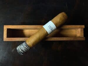 Blind Cigar Review: JRE | Aladino Connecticut Robusto