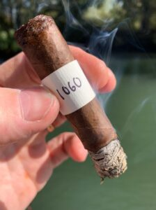Blind Cigar Review: Vicarias | Black