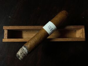 Blind Cigar Review: Crowned Heads | Mil Días Edmundo