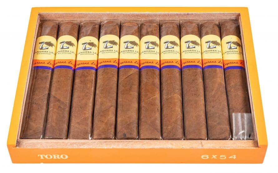 Blind Cigar Review: Aganorsa Leaf | Supreme Leaf Toro