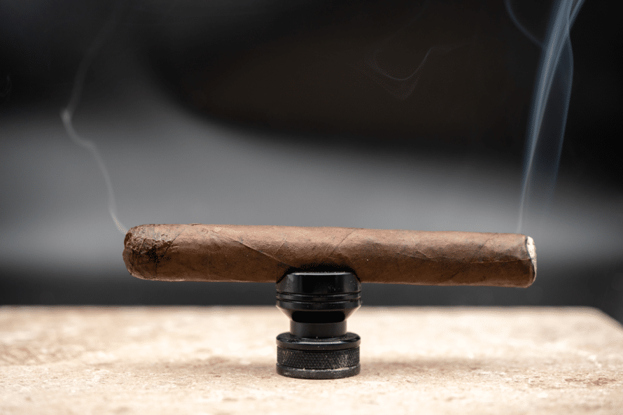 "Toro Length: 6"" Ring Gauge: 52 Country of Origin: Nicaragua Wrapper: Undisclosed Binder: Undisclosed Filler: Undisclosed Factory: La Gran Fabrica Drew Estate"